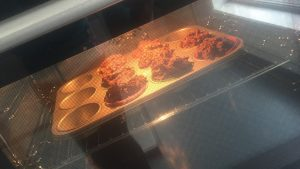 Coffee muffins in de oven