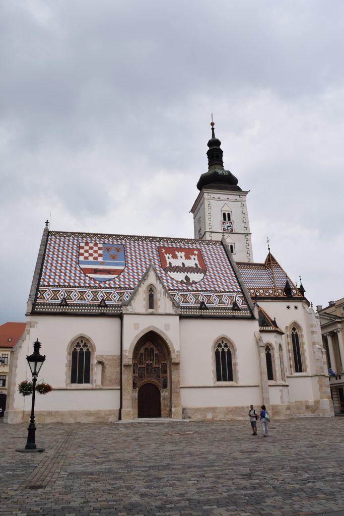 Je mag er niet naar binnen, maar is al mooi om naar te kijken van de buitenkant: de Sint Marcuskathedraal