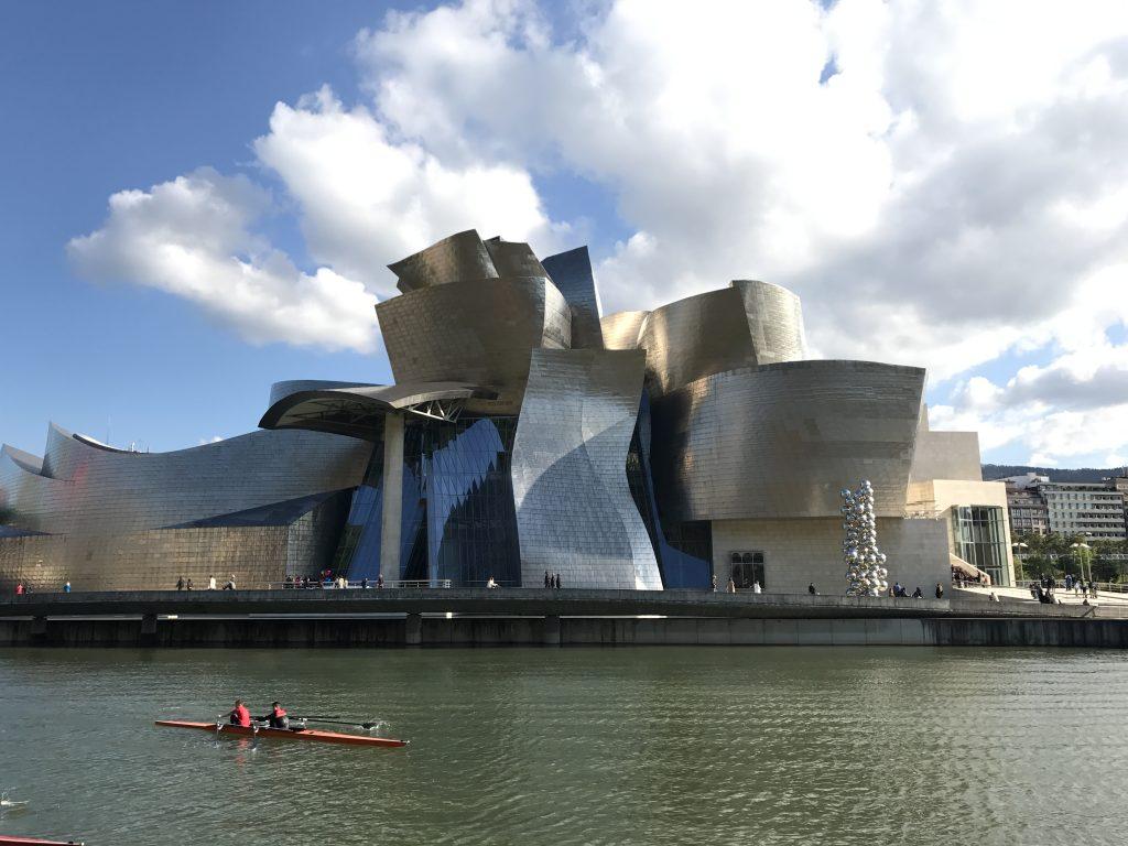 Guggenheim museum...van buiten spectaculairder dan van binnen...